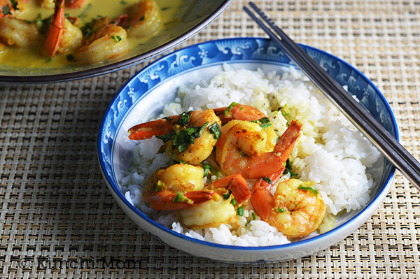 Curried Shrimp #WeekdaySupper | www.kimchimom.com