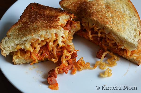 Ramen Grilled Cheese #CheeseChatter