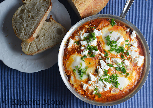 Shakshuka for Two #SundaySupper | www.kimchimom.com