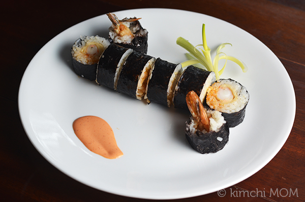 Spicy Shrimp Tempura Rolls | www.kimchimom.com