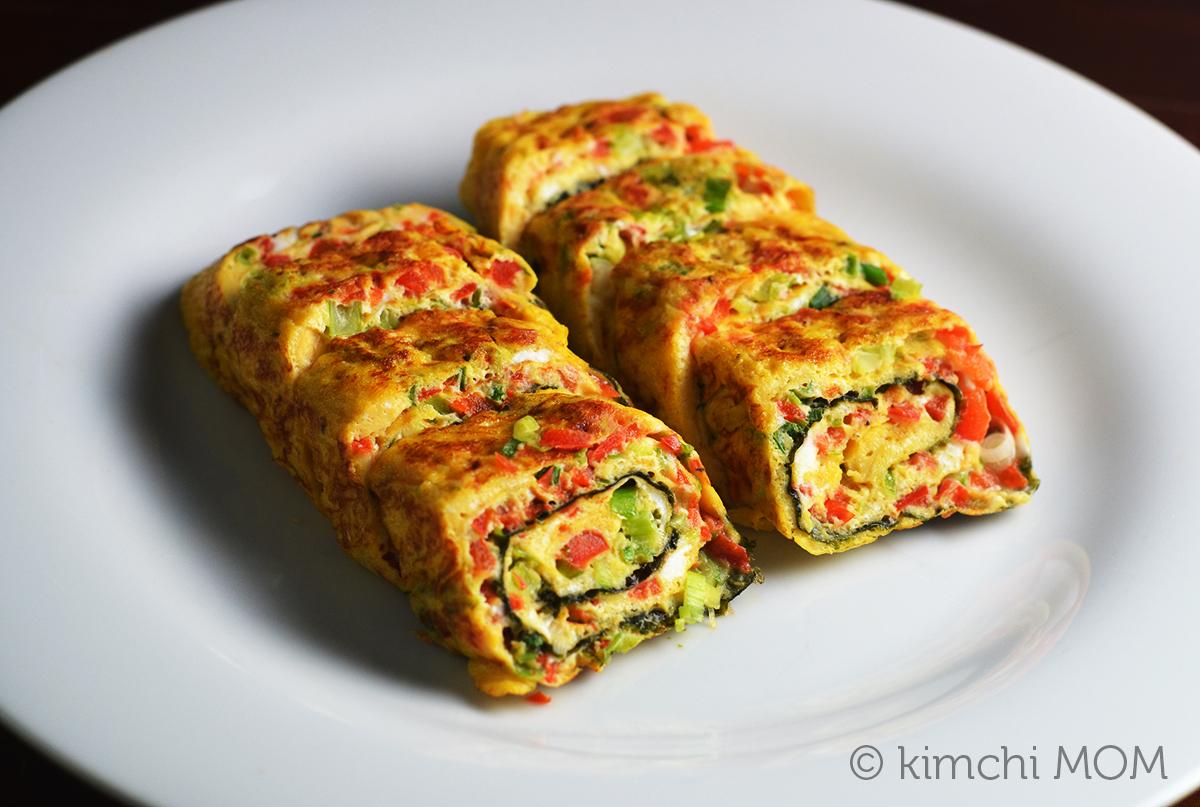 Korean Rolled Omelette (Gaeran Mari) #SundaySupper