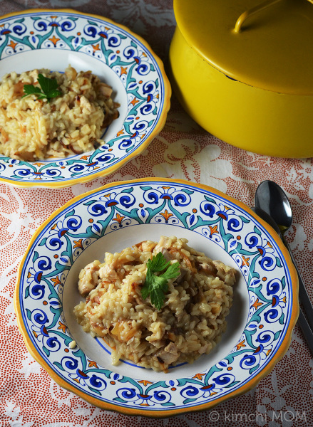 Turkey and Caramelized Onion Risotto #SundaySupper | www.kimchimom.com