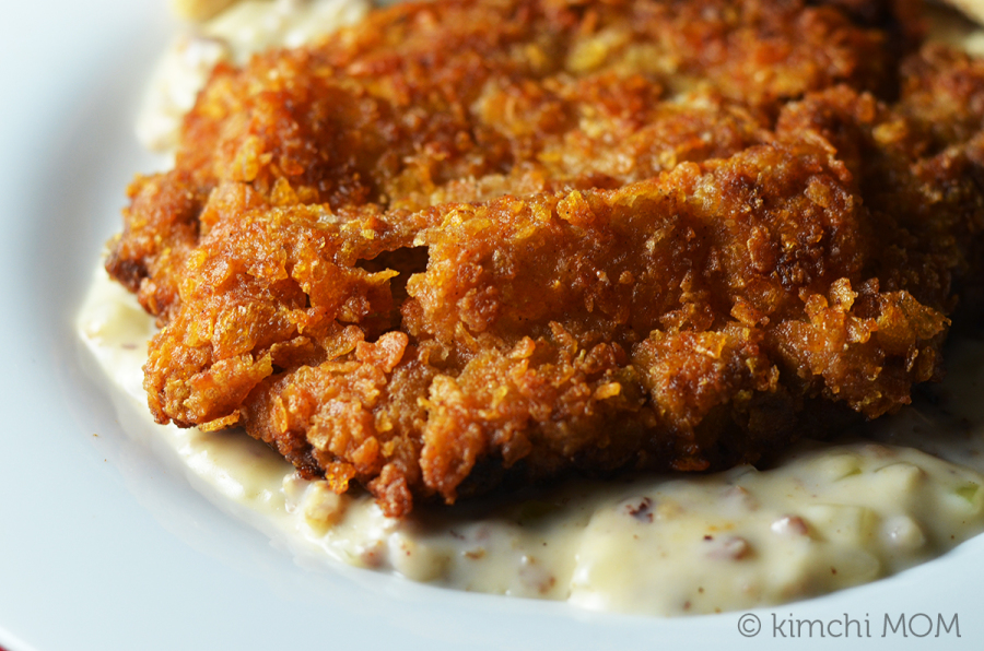 Chicken Fried Steak #WeekdaySupper | www.kimchimom.com